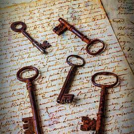 Five Keys On Old Letters - Garry Gay