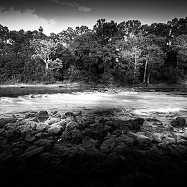 Flint River Rapids b/w - Marvin Spates
