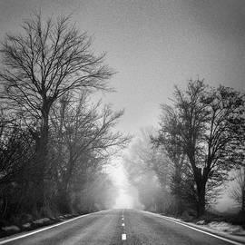 Guido Montanes Castillo - Follow your dreams    Monochrome