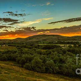 Robert Bales - Foothills Sunrise