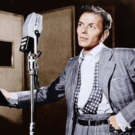 Frank Sinatra At Columbia Studios, 1948. - The Titanic Project