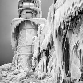 Krzysztof Hanusiak - Frozen World