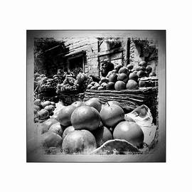 Sue Jacobi - Fruit Seller Blue City Street India Rajasthan BW 1b