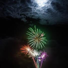 Peta Thames - Full Moon Fireworks