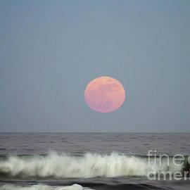 D Hackett - Full Moon Over The Atlantic