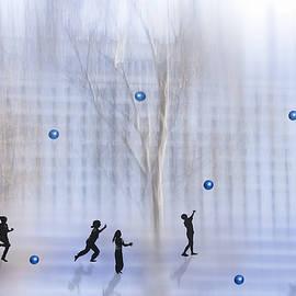 larisa Fedotova - Game with ball