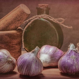 Garlic Bulbs - Tom Mc Nemar