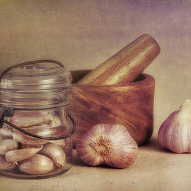 Tom Mc Nemar - Garlic in a Jar