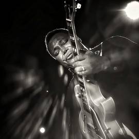Jean Francois Gil - George Benson Black And White