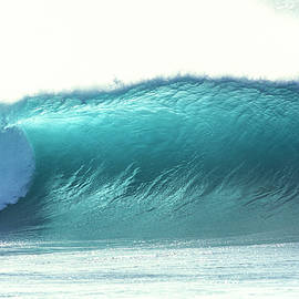 Sean Davey - glowing aqua wave at Pipeline, north shore, Oahu, Hawaii,2004