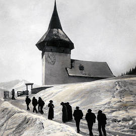 Going to church on Christmas morning - Swiss School