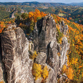 Jenny Rainbow - Golden Autumn in Saxon Switzerland