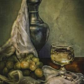Hugo Bussen - Golden Grapes