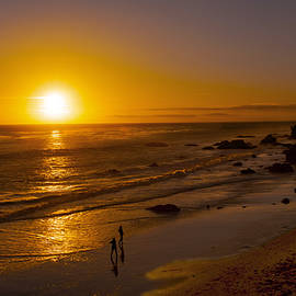 Jerry Cowart - Golden Sunset Walk On Malibu Beach