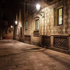 Artur Bogacki - Gothic Quarter of Barcelona at Night