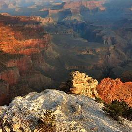 Stephen  Vecchiotti - Grand Canyon Light