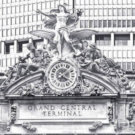 Regina Geoghan - Grand Central Terminal Facade Clock