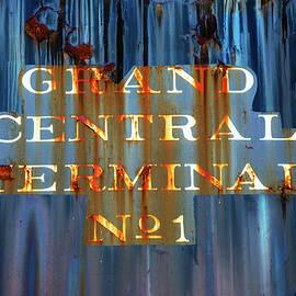 Karol Livote - Grand Central Terminal No 1