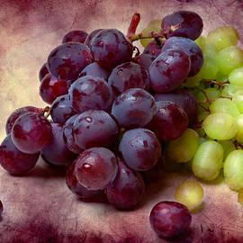 Alexander Senin - Grapes Red And Green