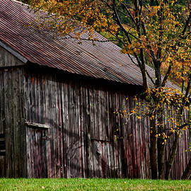 Jeff Folger - Gray weathered barns number three