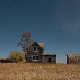 Tom Phelan - Abandoned Farmhouse on the Plains of North Dakota