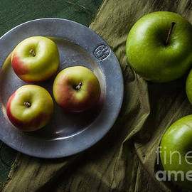 Green and Yellow Apples - Ana V  Ramirez