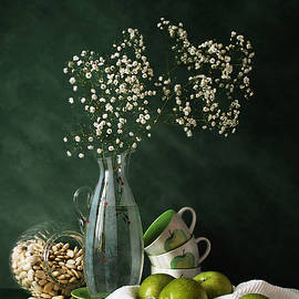 Nikolay Panov - Green Apples on White