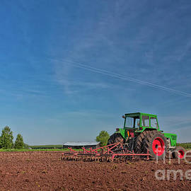 Jukka Heinovirta - Green Tractor On The Fields