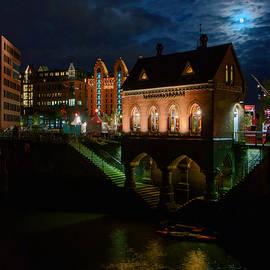 Colin Hunt - Hamburg Hafen City