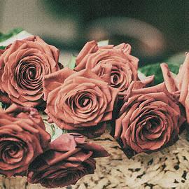 Svetlana Iso - Happy Rose Day