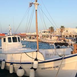 Colette V Hera  Guggenheim  - Harbour Naoussa Paros Island