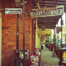 Sonja Quintero - Harrys Corner in New Orleans