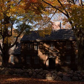 Jeff Folger - Hartwell tavern in fall foliage