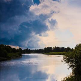 Jukka Heinovirta - Heavy Clouds On A Summer Night