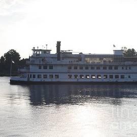 John Telfer - Henrietta Iii Riverboat Floating Down Cape Fear Nc
