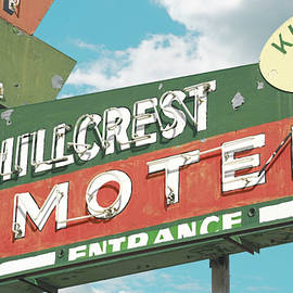 Chris  England - Hillcrest Motel with kitchen