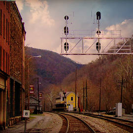 Beverly Canterbury - Historic Railroad Town Thurmond West Virginia