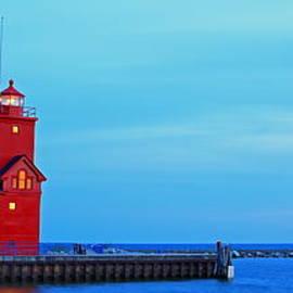 Dale Niesen - Holland Harbor Light