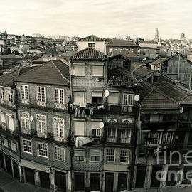 Isabel Poulin - Houses in Porto, Portugal