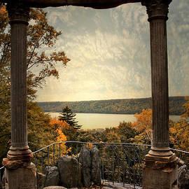 Hudson River Overlook - Jessica Jenney