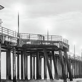 Huntington Pier Black and White Panoramic Picture - Paul Velgos