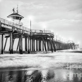 Huntington Pier Black and White Picture - Paul Velgos