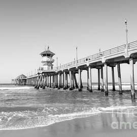 Huntington Pier in Huntington Beach CA - Paul Velgos