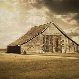 Julie Hamilton - Hwy 9 Barn