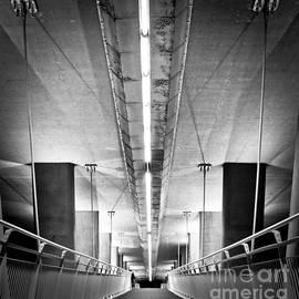 Heston Kelly - Hydro Bridge