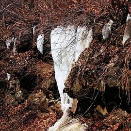 R A W M   - Ice Falls