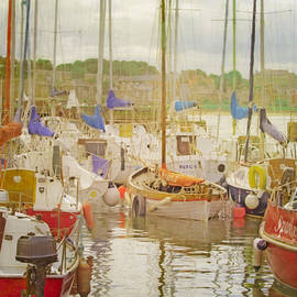 Hal Halli - In North Berwick Harbour