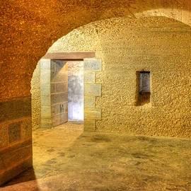 Linda Covino - Inside The Walls