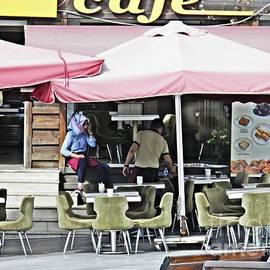 Sarah Loft - Istanbul Street Cafe