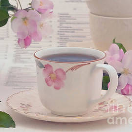Luv Photography - Japanese Cups